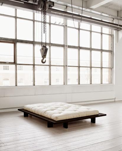 japan bed 140*200 black